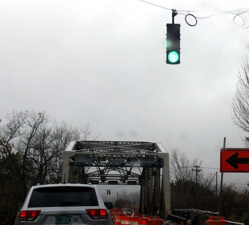Crossing in the rain - Stroudsburg