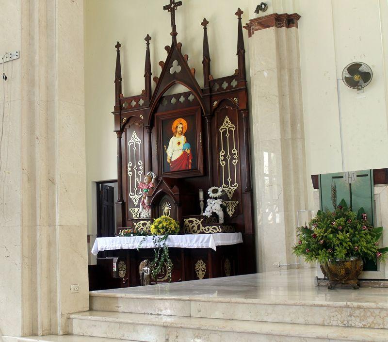 Side altar - Puerto Plata