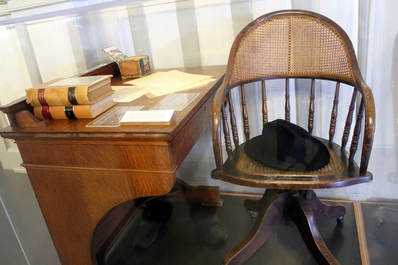 Richard Linn's desk