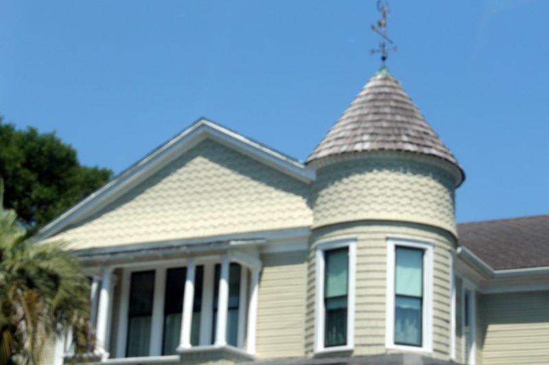 Fernandina architecture
