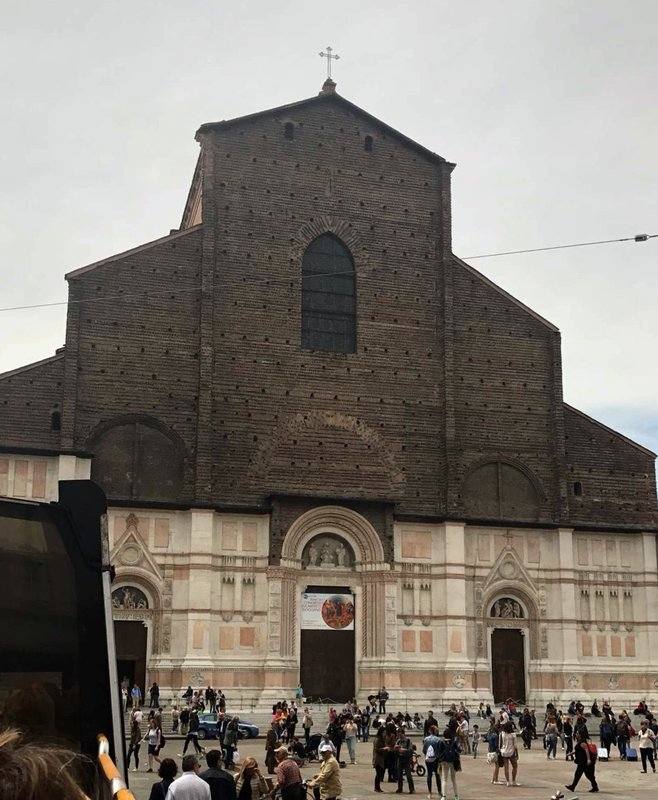Church St. Puerto Bologna
