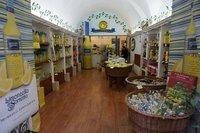 Lemon store in Sorrento
