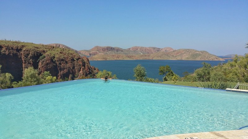 large_lake_Argyle_1.jpg