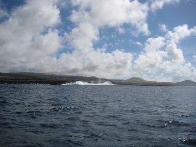 041617120652 waves crashing on shore