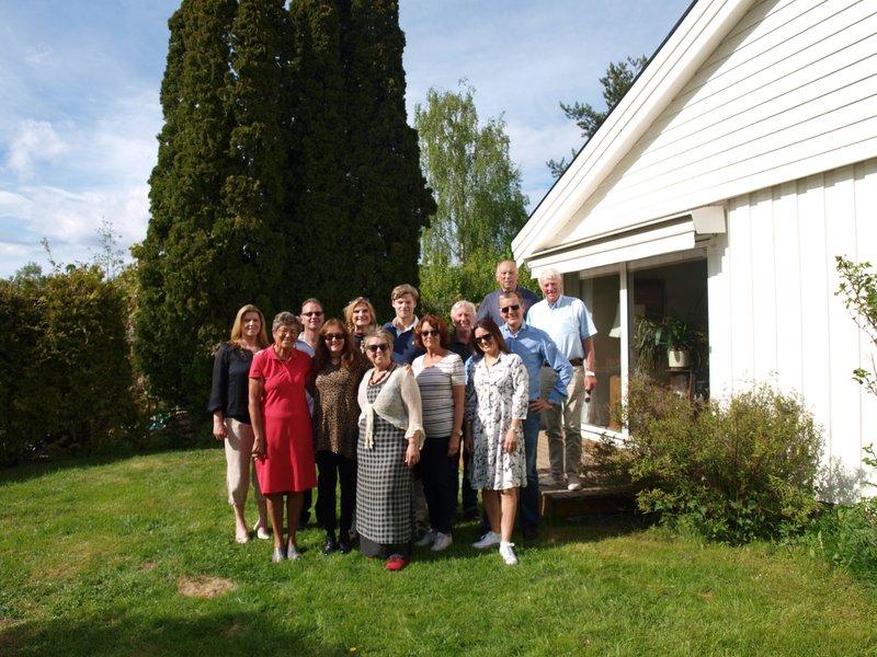 ?, Greta, Bjarte, Line, Marit Lise, Marte, Helen, Sebastian, Berit, Bente, Sverre, Reidar, Reidars girlfriend