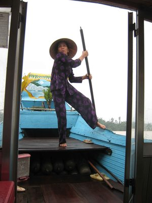 hue boat pilot old lady