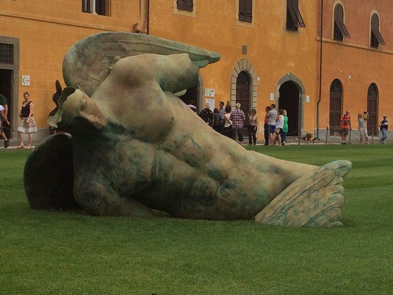 Fallen angel in Pisa