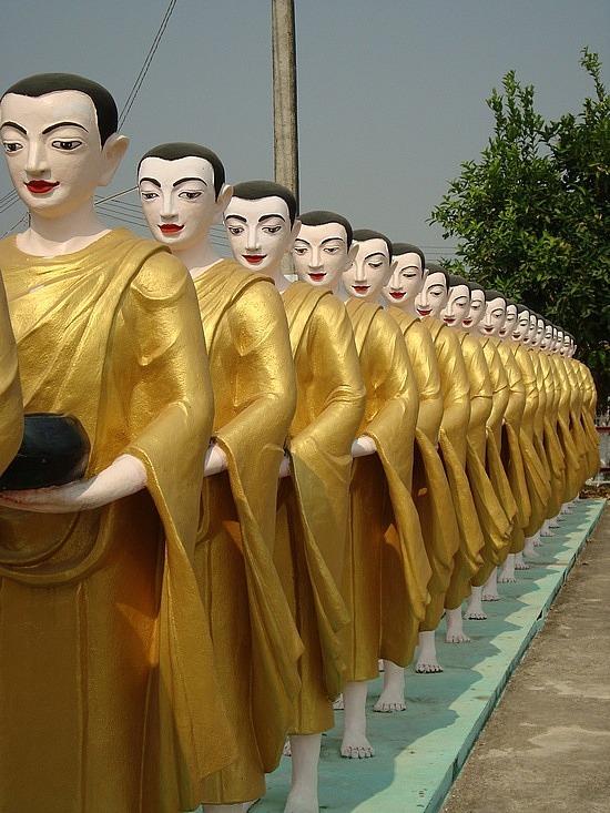 Tachilek - Shwedagon Pagoda
