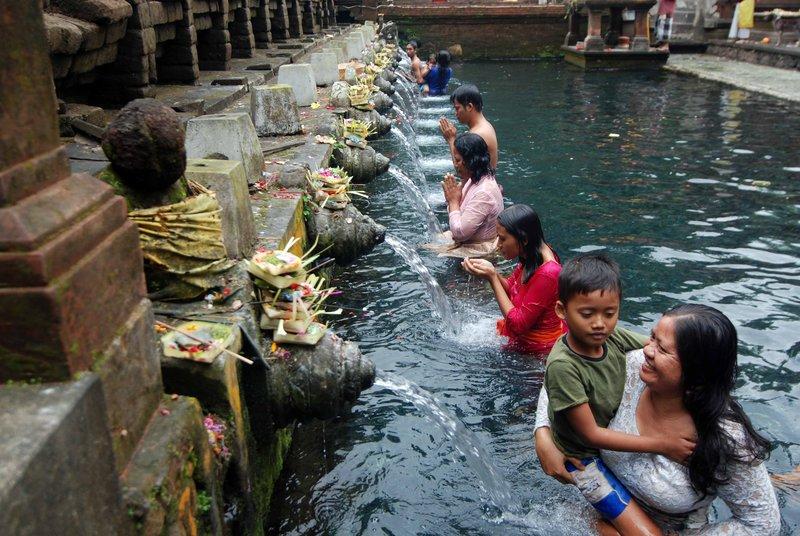 Bathing in the holy springs