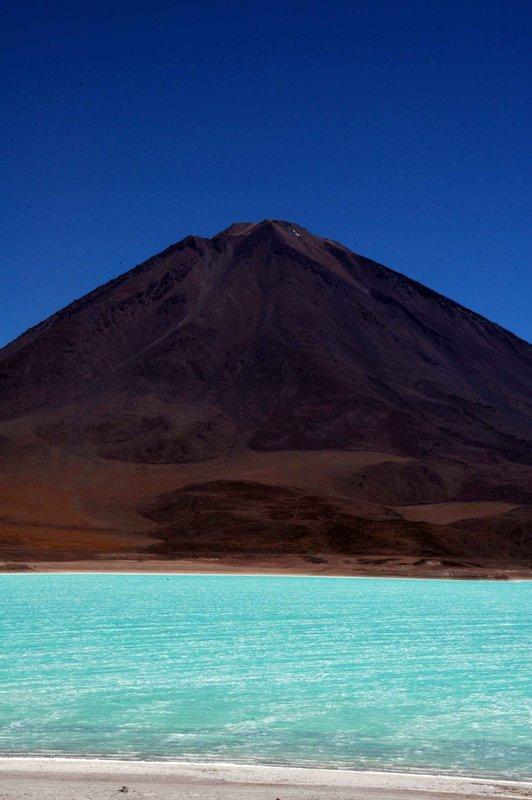 Laguna Verde and volcano Licancabur