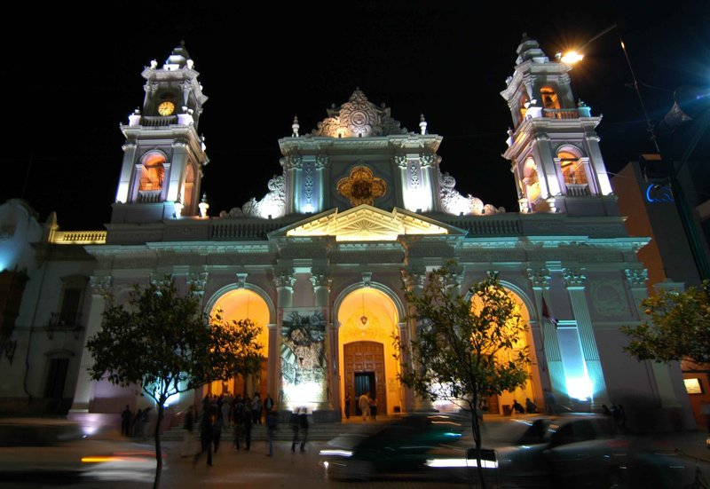 Salta cathedral at night