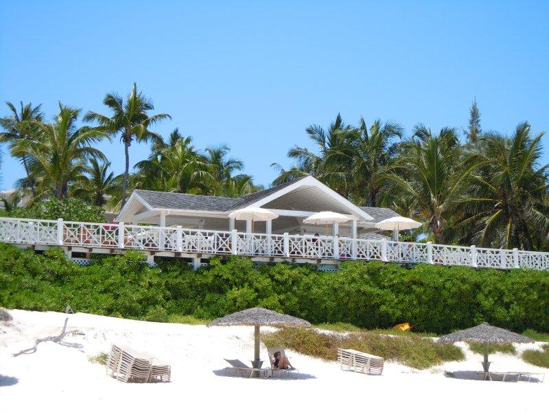 large_Coral_Sands_Hotel.jpg