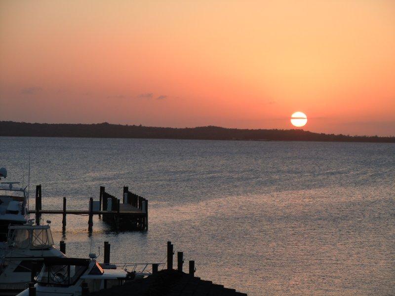 large_Sunset_ove..a_Bay_3.jpg