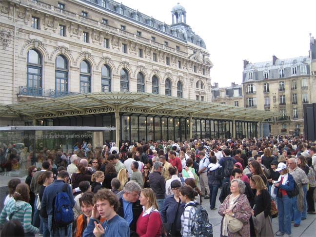 Queue for Musee D'Orsay