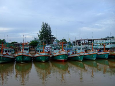 Fishing boats near Chomphun