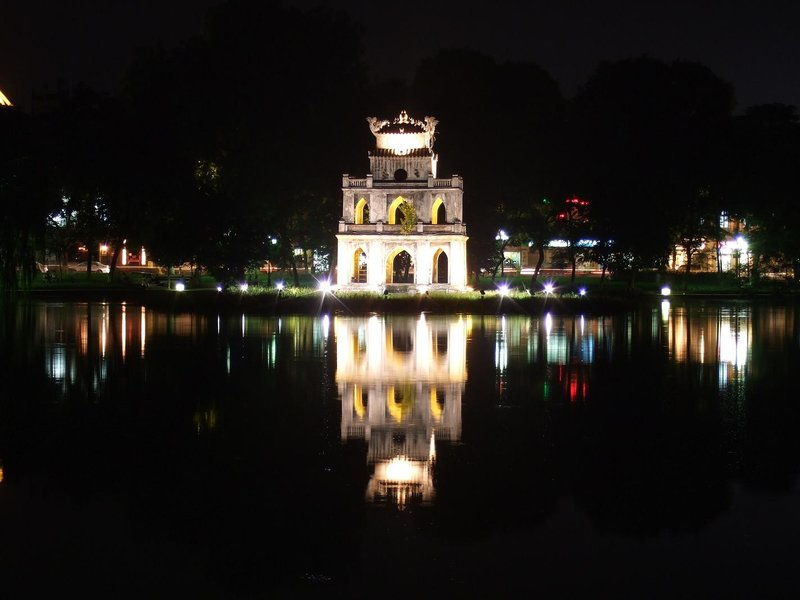 Thap Rua Tower at night