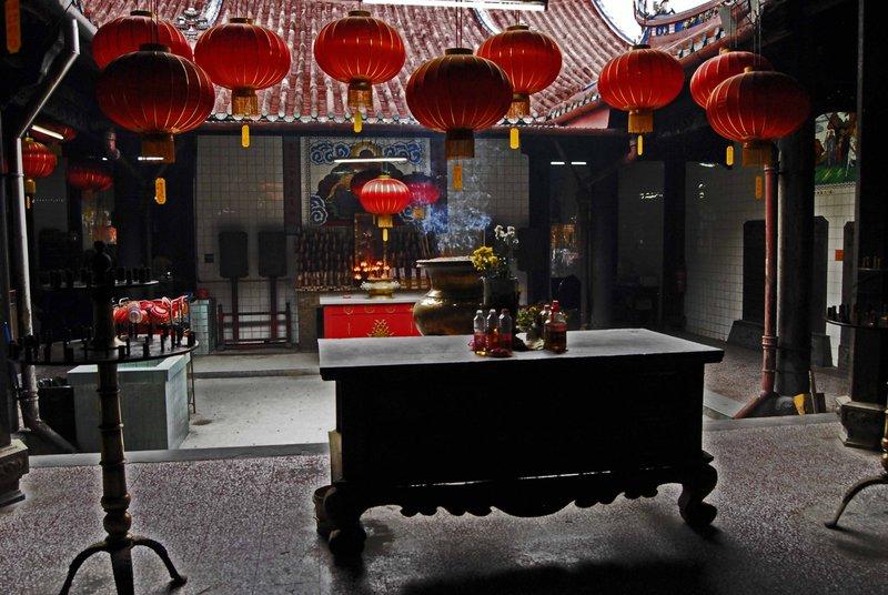 large_Kuan_Yin_Teng_Temple4.jpg