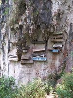 14 Hanging Coffins 4HQ 10 05 2004 100_5429
