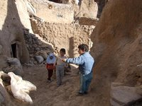 Children playing in Kandovan Village,