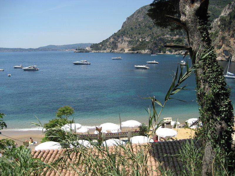 Cap D'ail Cove