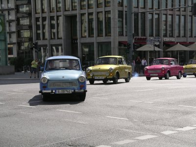 A line of Trabants
