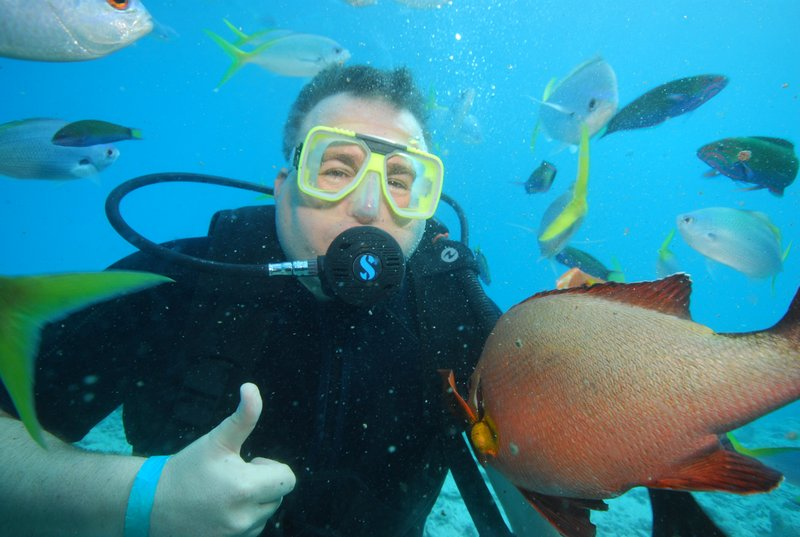 Diving at the reef with the fishes