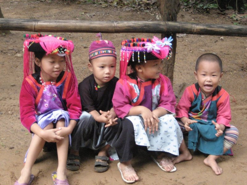 Children of the Lisu tribe