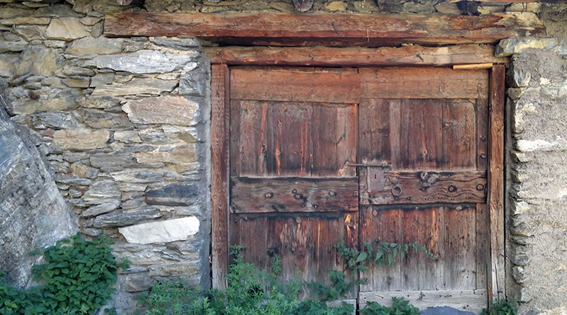 Serie Doors of Canillo Andorra- Nokia N8