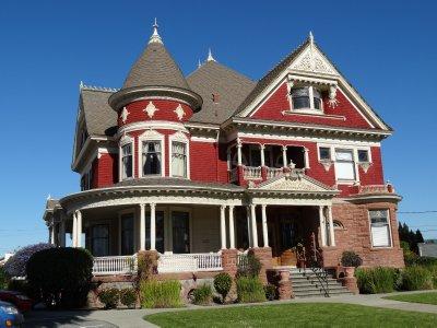 April_17_-_Tuttle_Mansion.jpg