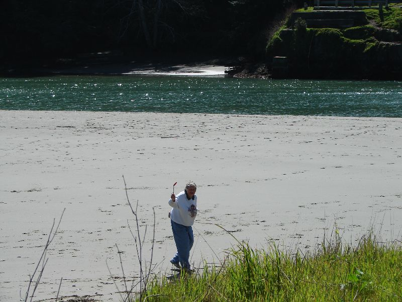 Day 198 - Mendocino, Mom Collecting Sand