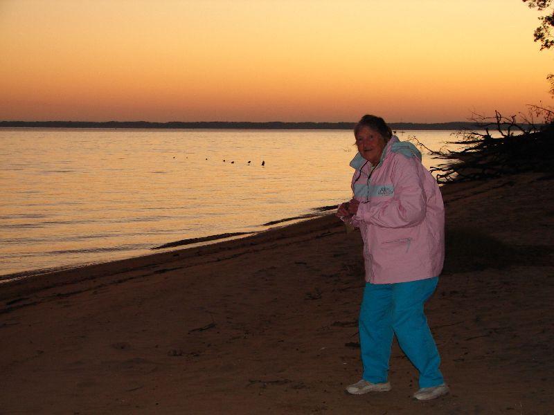 Day 89 - Jamestown, Mom at James River