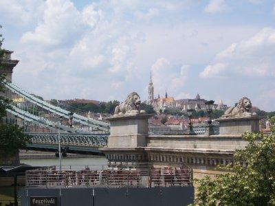 Bridge_in_Budapest.jpg