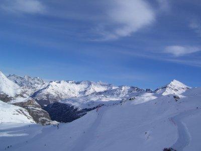 Gavarnie_skiing.jpg