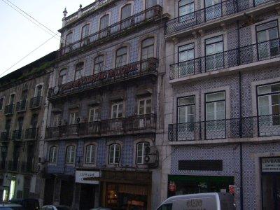Lisbon_s_Tiled_houses.jpg