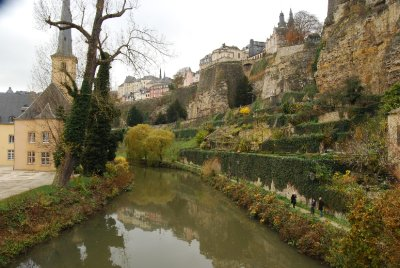 Luxembourg_by_river.jpg