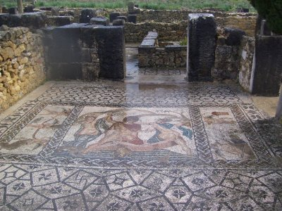 Mosiac_at_Volubilis.jpg