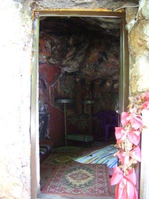 Old_chapelcave.jpg