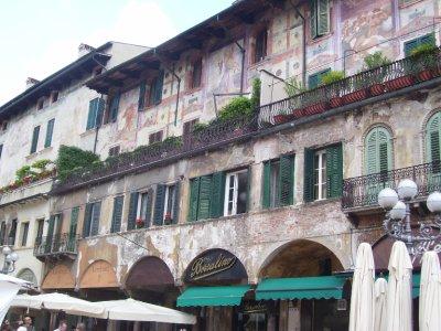 Painted_bu.._Verona.jpg