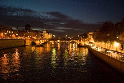 Paris_at_night.jpg