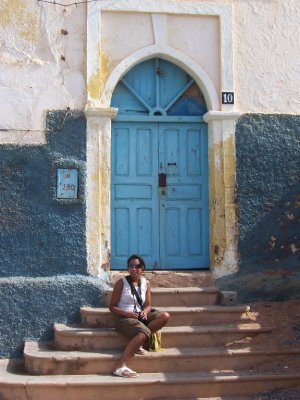 She_liked_the_door.jpg