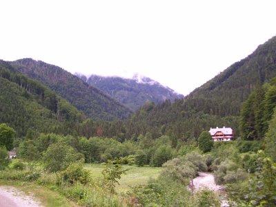 Valley_in_..Austria.jpg