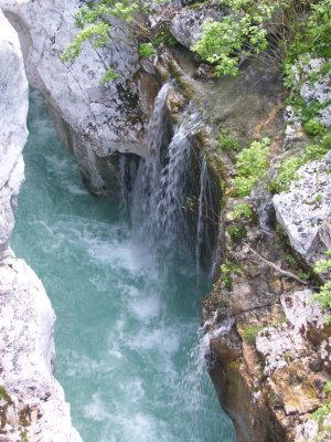 Waterfall_..lovenia.jpg
