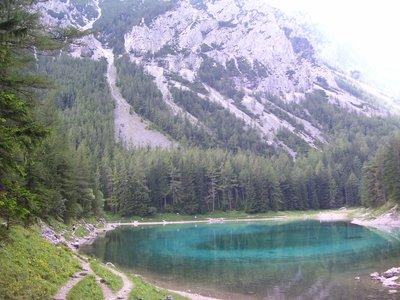 the_lake_at_Tragob.jpg
