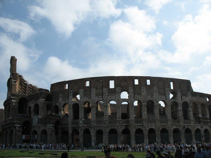 large_Colosseum_Exterior.jpg