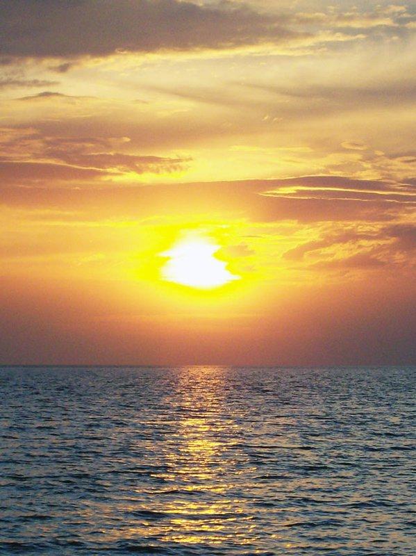 otres beach - sun setting