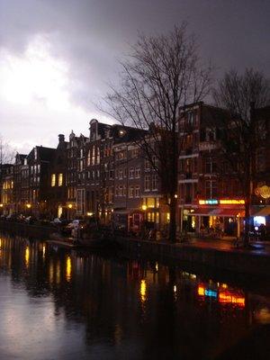 amsterdam_canal_night.jpg