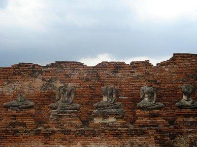 ayuthaya_t..buddhas.jpg