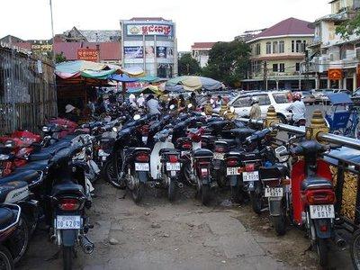 cambod_mkt_bikes.jpg