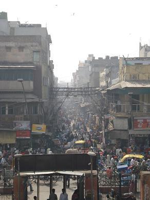 delhi_street1.jpg