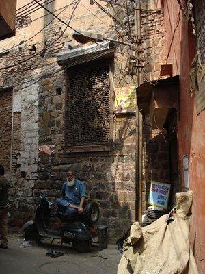 india_manbike.jpg